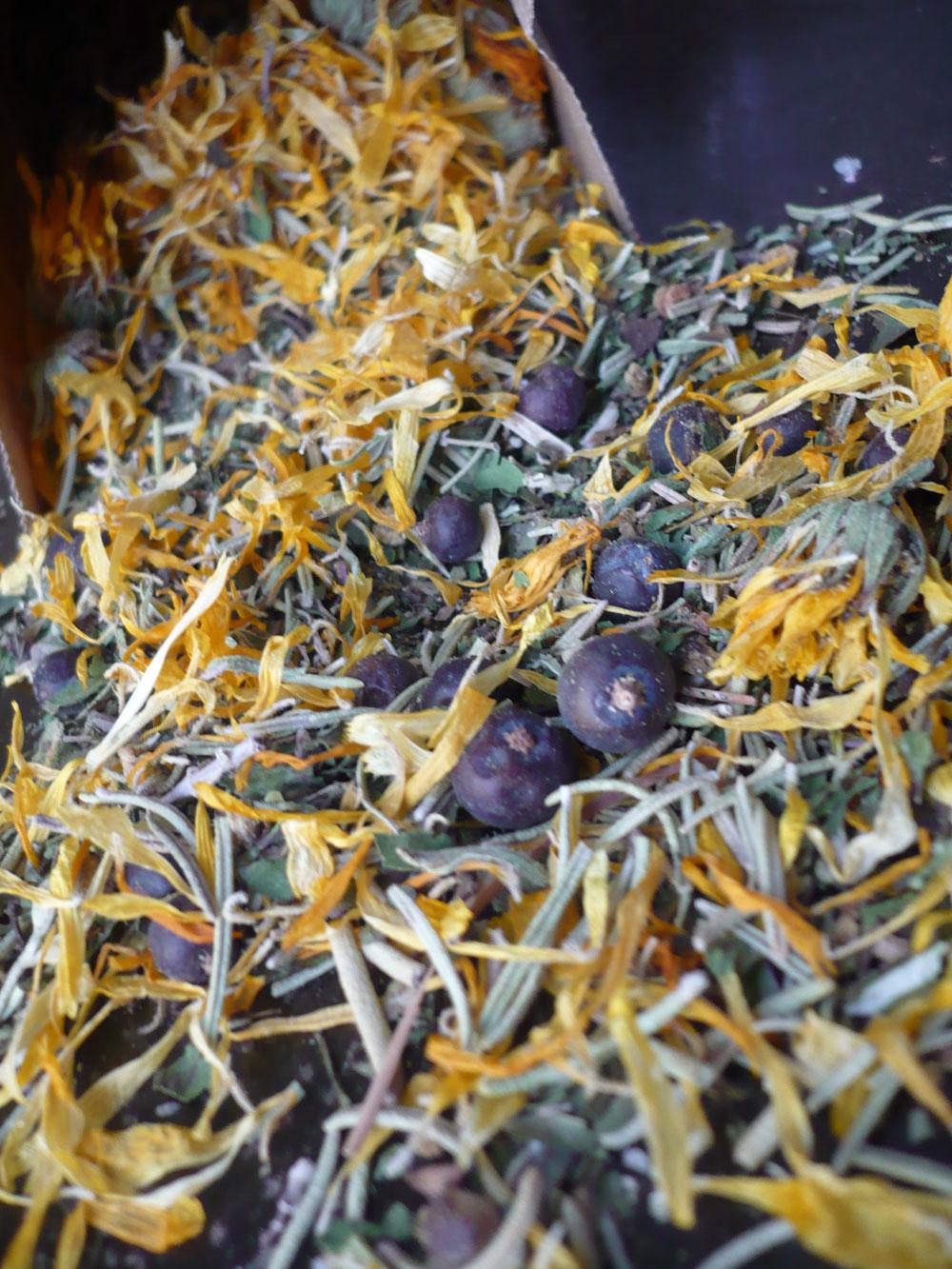 detox-bath-herbs-spilling